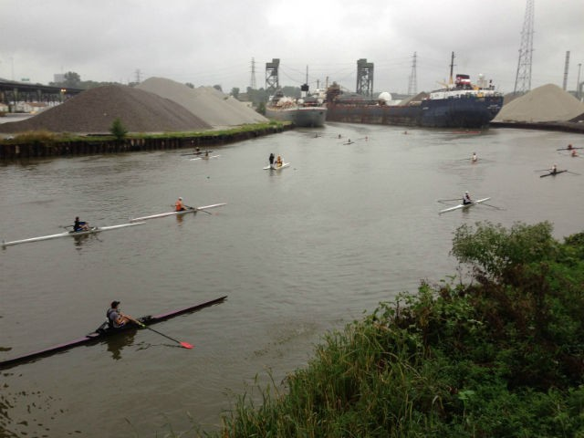 Rowers+come+up+to+the+starting+line+where+the+two+Canadian+Freighters+block+access+to+the+original+starting+line.+Photo+by+Jim+Ridge.